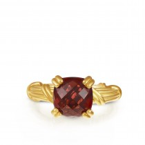 Fantasies Garnet Cocktail Ring in 18K yellow gold